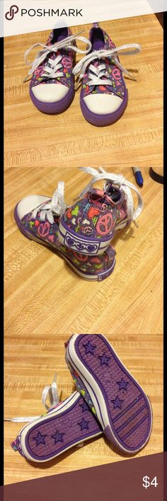 Size 8 girls Place tennis good condition Size 8 girls Place tennis good condition Children's Place Shoes Sneakers