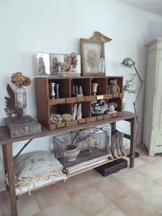 Healthy people 2020 goals for the elderly home jobs nyc Vintage Shabby Chic, Vintage Decor, Rustic Decor, Vintage Display, Elderly Home, Piece A Vivre, French Country Decorating, Decoration, Interior Decorating
