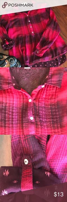 """Vintage America Popover Blouse Adorable blouse by Vintage America.  Red & purple plaid.    Long sleeves that can roll up and convert to 3/4 sleeves.  When rolled up, material contrasts with floral material.  Pleated bodice.  Partially buttons with 5-buttons in front.  Women's Small  Great pre-owned condition.   Armpit to armpit = 21"""".  Sleeves = 23"""".  Length = 27"""".  Thanks for looking!  Smoke free home. Vintage America Tops Blouses"""