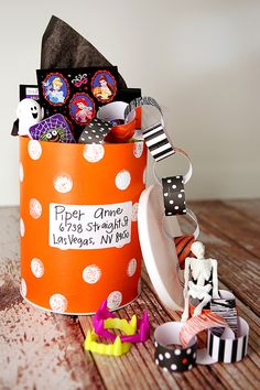 Halloween Happy Mail! Such a fun idea to send little themed surprises to friends and family - who wouldn't love this?!