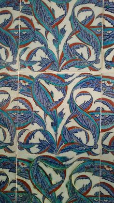 Rustem Pasha Mosque, Istanbul Mosaic Tiles, Mosaics, Islamic Tiles, Islamic Patterns, Antique Tiles, Turkish Tiles, Glazes For Pottery, Animal Fashion, Arabesque