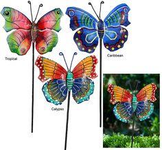 ʚϊɞ Preciosas mariposas artesanales para clavar entre las plantas ʚϊɞ Every purchase generates an extra donation to help Haitian artisans affected by the earthquake.