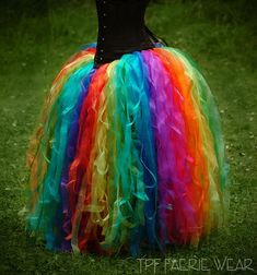 Easy rainbow, no sew tulle skirt/petticoat | perfect for under a plain white wedding dress :)