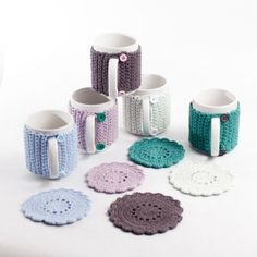 ethical accessories for individuals, handmade scarves, mittens, hats, socks and lots more for adults and children.The perfect gift for your tea lover. Mug with a handmade jacket with button fastenings with a matching coaster. Crochet Coffee Cozy, Crochet Cozy, Crochet Motifs, Quick Crochet, Crochet Basics, Crochet Gifts, Crochet Patterns, Coffee Cozy Pattern, Crochet Art
