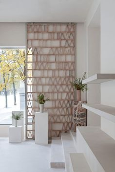 In Madrid, the founders of Malababa called on Ciszak Dalmas and Matteo Ferrari to create a sustainable design shop.