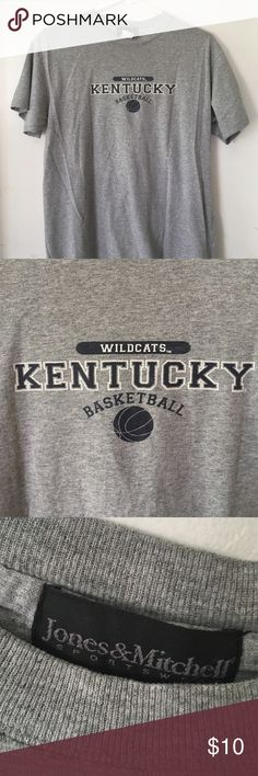 Kentucky Wildcats Basketball Tshirt Size M Kentucky Wildcats Basketball Tshirt Size M jones & mitchell Tops Tees - Short Sleeve