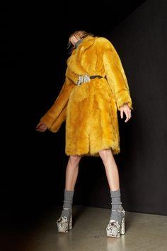 http://www.vogue.com/fashion-shows/pre-fall-2017/rochas/slideshow/collection