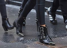 In the joint the company, surf the latest traits and consider our remarkable variety. Booties Outfit, Ankle Booties, Bootie Boots, Riding Boot Outfits, Riding Boots, Style Gigi Hadid, Boots Talon, Gothic Shoes, Over The Knee Boot Outfit