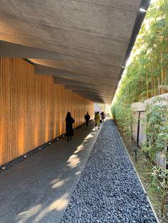 Railroad Tracks, Modern Architecture, Sidewalk, Japan, Building, Google, Side Walkway, Buildings, Modernism