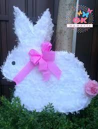 Resultado de imagen para piñatas pinterest Easter Birthday Party, Bunny Birthday, 2nd Birthday Parties, Bunny Crafts, Easter Crafts, Peter Rabbit Party, Easter Games, Fiesta Decorations, Bunny Party