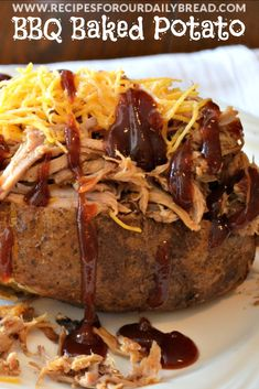 BBQ Stuffed Baked Potato is filling and a great way to use leftover bbq pulled pork. I used my Crock-Pot Pulled Pork to make this Stuffed Baked Potato. Bbq Baked Potatoes, Baked Potato Toppings, Baked Potato Bar, Chicken Potato Bake, Stuffed Baked Potatoes, Baked Potato Recipes, Baked Pork, Mashed Potatoes, Potato Food