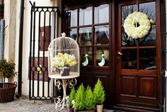This bird-cage would suit on my terrace :)