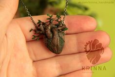 """""""Growing heart"""" pendantPendant that I wanted to make a few years, but my skills were not good enough.Polymer clay, acrylic, dry pastel, copp..."""