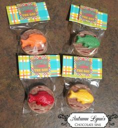12 Chocolate Covered Oreos Fishing Party Fish Wood Grain Fathers Day  Gone Fishing| AutumnLynnsSins - Edibles on ArtFire $18