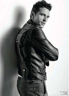 El actor James Franco se convierte en imagen del número de agosto de la revista OUT Magazine, con fotografías de Gavin Bond