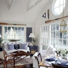 Decorating with wooden oars! Tons of Amazing Coastal Decor Ideas !