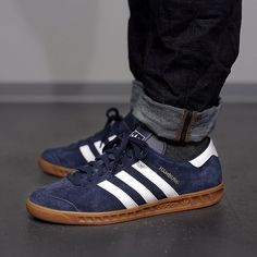 Collegiate Navy Hamburgs on the street Football Casual Clothing, Football Casuals, Winter Outfits, Kids Outfits, Casual Outfits, Summer Outfits, Work Outfits, Adidas Boots, Adidas Sneakers