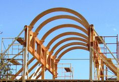 Timber-Frame House in Wisconsin with beautiful arched ceiling beams. Vermont Timber Works can help with a modern design for your custom timber frame project. Sawn Timber, Timber Wood, Timber House, Wood Beams, Dome Structure, Timber Structure, Trailer Casa, Flat Roof Systems, Timber Framing Tools