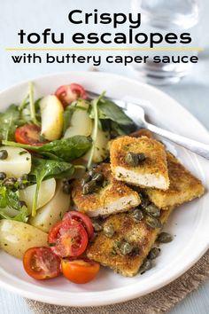 Crispy tofu escalopes with buttery caper sauce – Easy Cheesy Vegetarian Vegetarian Chicken Nuggets, Tofu Chicken, Veggie Recipes, Vegetarian Recipes, Tofu Sandwich, Tofu Stir Fry, Tofu Dishes, Crispy Tofu, Roast Dinner