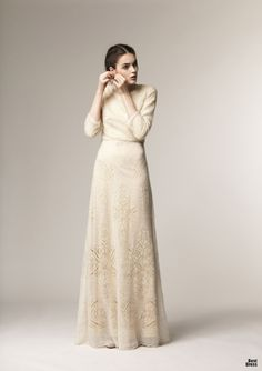 Beautiful full-length dress with sleeves from A La Russe at Mode-sty Modest Dresses, Modest Outfits, Modest Fashion, Hijab Fashion, Fashion Dresses, Dresses With Sleeves, Formal Dresses, Hijab Dress, Dress Skirt