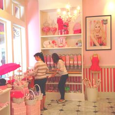 Cutest cupcake shop, Casey's cupcakes