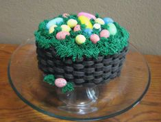 Easter Basket Cake--Includes a link to Wilton's quick instructions on how to do a basket weave.