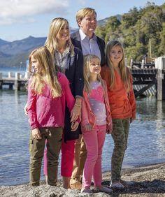 Tampoco Amalia, Alexia y Ariane de Holanda se saltan la tradición y salen de Palacio por Navidad