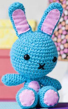 a bunny for Novita Crochet Bunny, Knit Crochet, Crochet Hats, Amigurumi Patterns, Crochet Patterns, Crochet Ideas, Cute Diys, Have Some Fun, Kids Toys