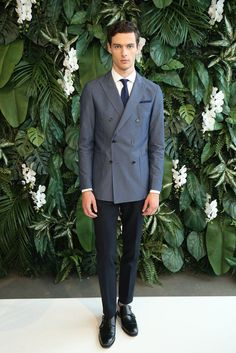 Tommy Hilfiger Spring 2016 Menswear collection, runway looks, beauty, models, and reviews.