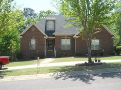 FSBO Trussville AL - Nice neighborhood, has a circle driveway, one way into subdivision, hardwood floors in family room, kitchen and formal dining room. need to sell due to medical reasons, or it would not be on market. Great house and neighbors.