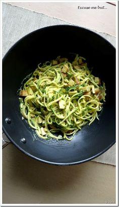 Excuse me but...: Zucchinispaghetti Carbonara (vegan)