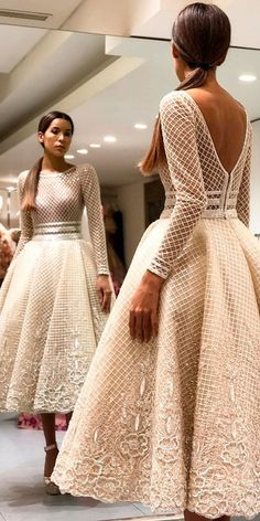 30 Vintage Wedding Dresses You Will Fall In Love <br> Planning to make a wedding party in Gatsby style? First of all you must prepared amazing vintage wedding dresses. In such a dresses you will look. Perfect Wedding Dress, Wedding Dress Styles, Dream Wedding Dresses, Mode Outfits, Dress Outfits, Fashion Dresses, Pretty Dresses, Beautiful Dresses, Evening Dresses