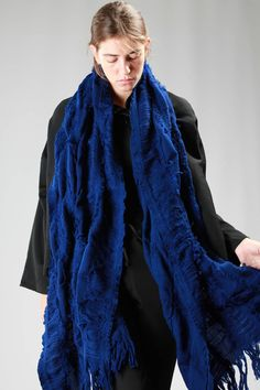 YOHJI YAMAMOTO - Wide Stole In Knitted Wool And Nylon With Fringes :: Ivo Milan