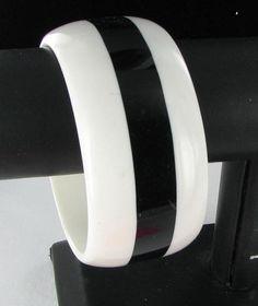 Huge black and cream lucite chunky bangle bracelet