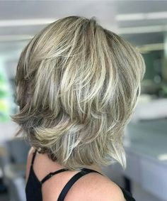 42 best medium length hairstyles for thin (& extremely fine) hair 42 Haircuts For Medium Length Hair, Short Hair Cuts, Medium Hair Styles, Curly Hair Styles, Transitioning Hairstyles, Hair Color And Cut, Layered Hair, Layered Bob Hairstyles, Great Hair