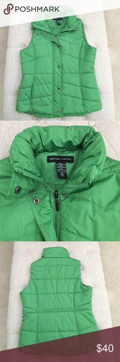 NWOT: NY&Co green vest Brand new without tag never worn NY&Co vest. Has inside pocket! I was planning for a ski trip and never brought it with me. Sitting in the closet since given I'm in sunny California . Size medium. Vibrant color will keep you visible in the snow!  New York & Company Jackets & Coats Vests