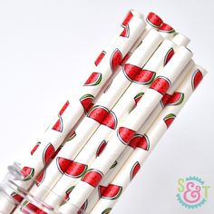 Sip, dip, top and decorate in style with Sweets & Treats Stylish Straws. If you've been craving a fresh way to add a stylish twist (and lot of fun) to your festivities, look no further than our paper straws. Perfect for beverage sipping, dipp Cake Pop Sticks, Lollipop Sticks, Fruit Party, Party Drinks, Party Favors, Summer Party Themes, Party Ideas, Marshmallow Pops, Summer Drinks