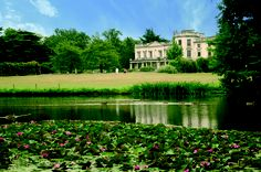 Froebel College is one of four colleges that make up Roehampton University. Founded in 1892, it has for many years been a college in which high academic achievement, profoundly influenced by its tradition, has produced outstanding success in academic life, especially in teacher education.