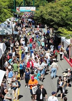 Crowds at the Bellevue Arts Museum ARTSfair, one of the premier art fairs in the country.