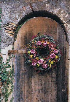 gorgeous garden door and wreath