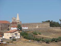 """La Torre del Homenaje en el recinto fortificado de Galisteo recibe el inconfundible apelativo de """"La Picota"""". Está recién reconstruida (2013) y eso la hace un poco """"cantosa"""" de momento, hasta que el tiempo lime tanto lustre. Seguro que entonces estará estupenda."""