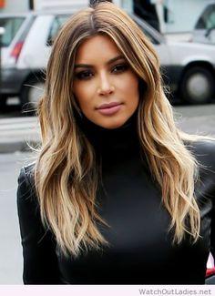 Kim Kardashian blonde in her hair