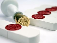 Porcelain USB key with a classic wax seal