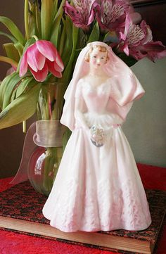 Vintage Bride Figurine.. my mom had this. Weird because she was never married