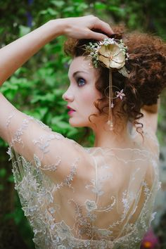 Edwardian inspired bridal look with embroidered tulle wedding dress by Joanne Fleming Design Tulle Wedding Gown, Wedding Dress Trends, Designer Wedding Dresses, Bridal Gowns, Bridal Separates, Edwardian Fashion, Edwardian Style, Portraits, Vintage Bridal