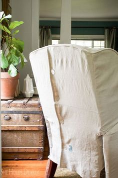 Recliner Slipcover Piping Tutorial by sheholdsdearly.com Farmhouse Furniture Farmhouse Fabrics & Rugs #upholsterybasics #diycustompiping #customwelting #pipingcordforslipcovers