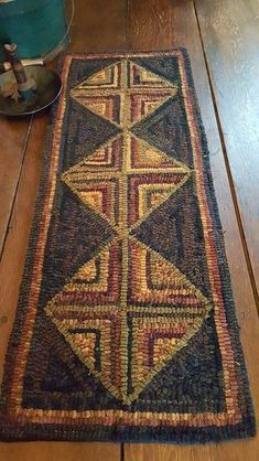 Rug hooking - Four Corners Log Cabin Runner Pattern #BraidedRugs