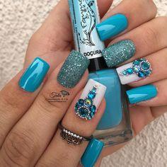 43 New Ideas Powder Blue Nails Glitter Blue Glitter Nails, Dark Nails, Rhinestone Nails, Bling Nails, Gorgeous Nails, Pretty Nails, Brown Nail Art, Bridal Nail Art, Almond Acrylic Nails