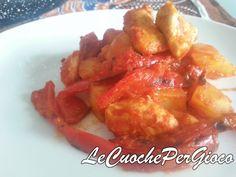 Il pollo peperoni e patate è un piatto completo perfetto per le giornate più fredde! Gustato ancora caldo vi rinvigorirà e vi farà sentire meglio.