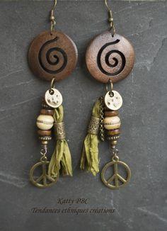 """Boucles d'oreille ethnique """" Tallia""""- Perles tibétaines, soie, bois et bronze"""